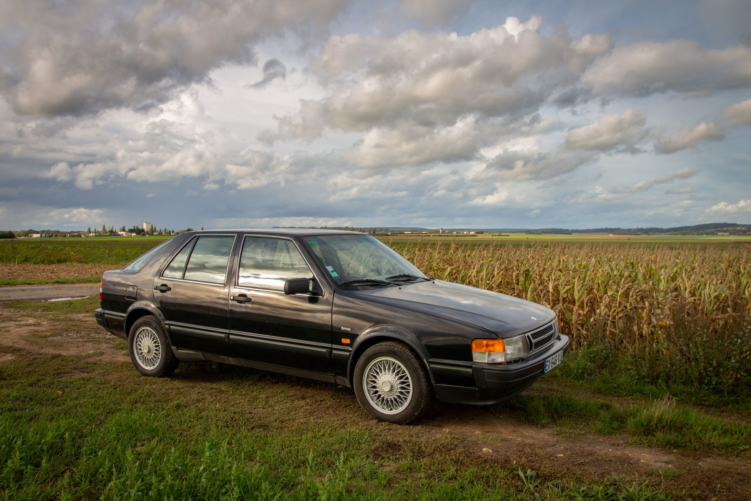 Saab 9000i
